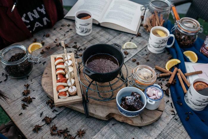 chocolate-fondue-smorgasbord